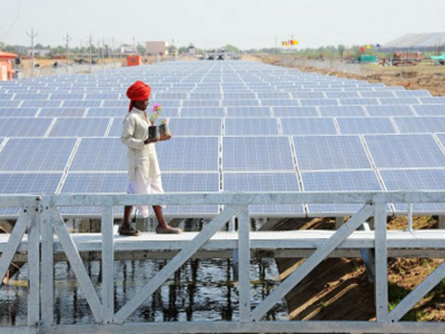 canal-top-solar-power-plant-in-ahmedabad