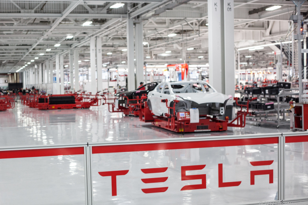 tesla-motors-factory-5595_620x413