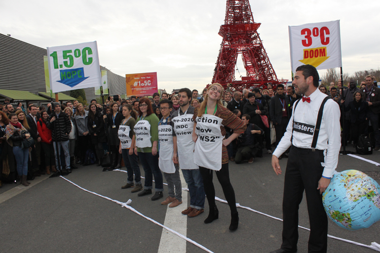 NGOs protest at CoP21