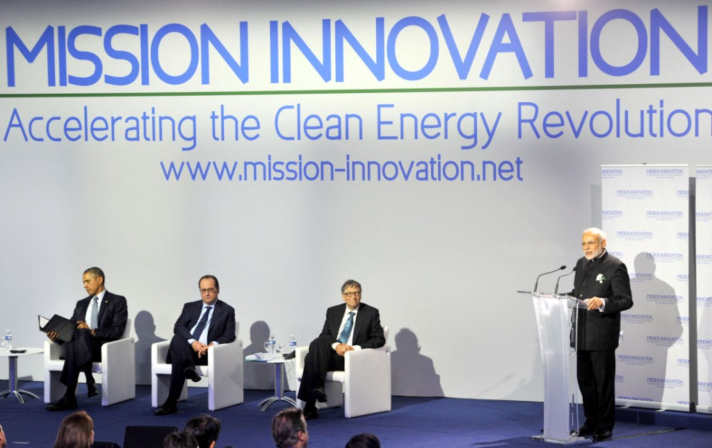 Narendra Modi addressing the Innovation Summit in COP 21 in Paris